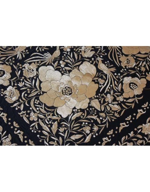 Silk Shawl 140x140cm Negro Bordado Oro